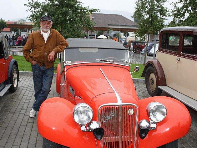 Čtrnáctého ročníku Beskyd rallye se zúčastnil i Opavan Jaromír Schiller se svým Aerem 30 z roku 1937.
