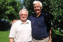 Jaroslav Halašta  s profesorem Miroslavem Nejezchlebou.