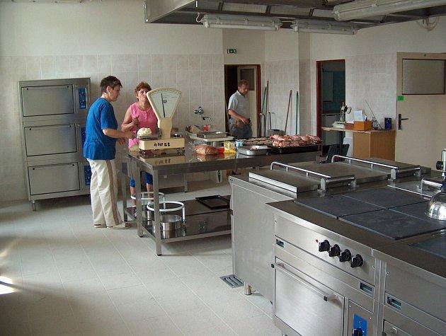 Nová kuchyň v zuberské škole