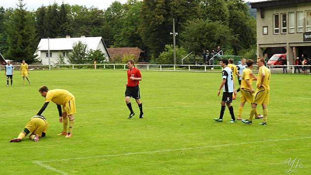 Jedním znejzkušenějších fotbalových rozhodčích OFS Vsetín je Jiří Nevrla. foto: archiv rozhodčího