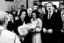 Záběr z filmu Krajina ve stínu.