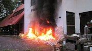 Požár odpadu u bývalé restaurace Formanka ve Vsetíně – Semetíně.