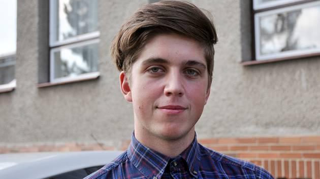 Jedenadvacetiletý Libor Štreit z Krhové přišel odevzdat hlasy v Komunálních volbách v sobotu 11. října 2014