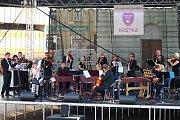 Slavnostní koncert k zahájení činnosti Základní umělecká škola Kostka se uskutečnil v úterý 28. srpna 2018 ve Vsetíně před domem kultury.