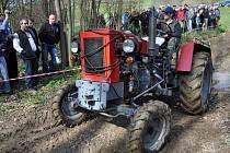 Na motokrosové trati ve Zděchově se v sobotu 19. dubna 2014 uskutečnil 2. ročník Zděchovské traktoriády.