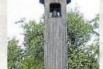 ZVONICE. Zvonice z roku 1906 je dominantou a významnou místní kulturní památkou obce. V roce 2013 došlo k opravě zvonice a odlití nového zvonu.