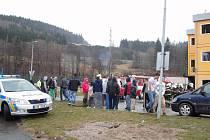 Devět jednotek hasičů zasahovalo ve vsetínské místní části Poschla.