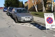 V Rožnově pod Radhoštěm začala v pondělí 15. dubna 2013 jarní očista města. Hned první den přinesl problémy v podobě neukázněných řidičů parkujících v zákazech stání.