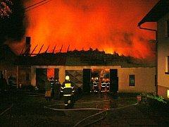 Požár domu v Rožnově pod Radhoštěm.