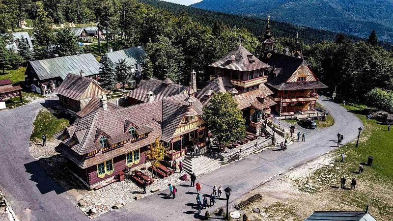 Pustevny po prázdninách stále žijí turismem