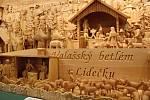Dílům vystaveným ve Zvonici na Soláni dominuje šestimetrový betlém s třemi stovkami figur od Aloise Zádrapy z Lidečka.