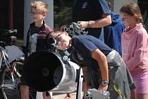 Osmnáct dětí ze Zlínského kraje trávilo druhý prázdninový týden roku 2019 ve valašskomeziříčské hvězdárně na astronomickém táboře.