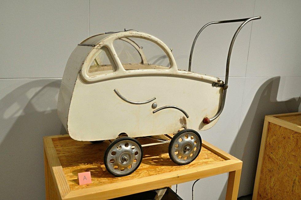 Do sériové výroby kočárků zasáhl také rozvoj automobilismu. Nejvýrazněji v 30. letech 20. století.