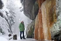 Pulčínské ledopády. Unikátní barevné ledopády v Národní přírodní rezervaci Pulčín- Hradisko.