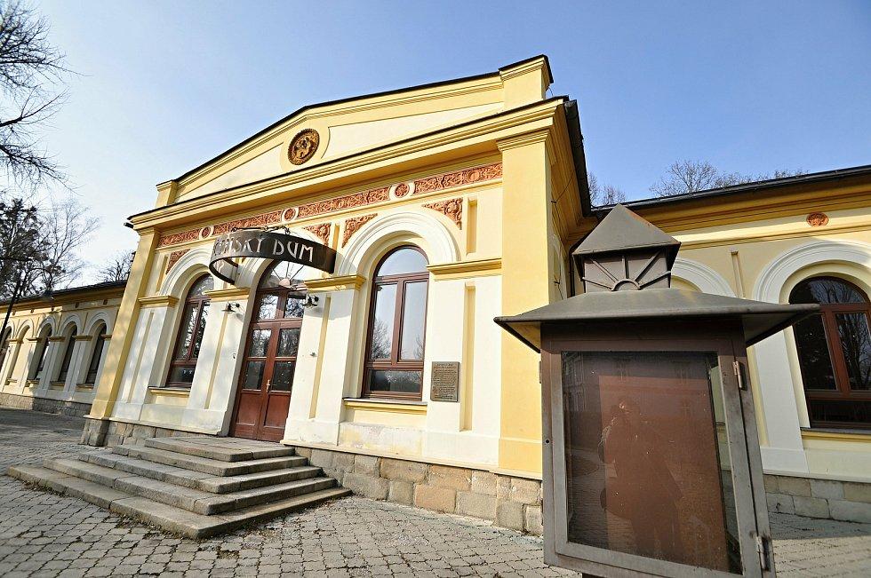 Společenský dům v Rožnově pod Radhoštěm.