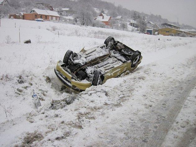 Tři dopravní nehody se udály v sobotu 12. ledna na Vsetínsku.