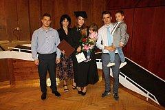 Ve vsetínském domě kultury se v pondělí 11. září uskutečnila slavnostní promoce studentů vsetínské vysoké školy Humanitas.