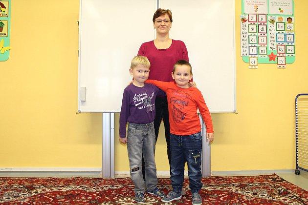 Základní škola Kladeruby, třídní učitelka Helena Hegarová; prvňáčci: Matěj Herman, Ondřej Vozák