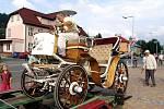 V Karolince se konala přehlídka historických aut.