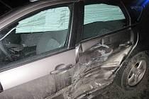 Střet automobilů Citroen a Peugeot.