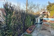 Požár tújí v obci Ratiboř