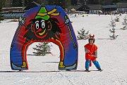 Maškarní na lyžích.