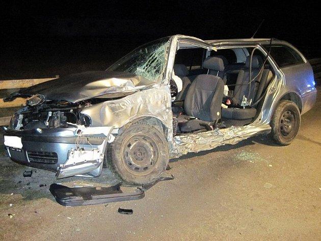 Vážná nehoda mladíka v octavii ve Valašské Bystřici