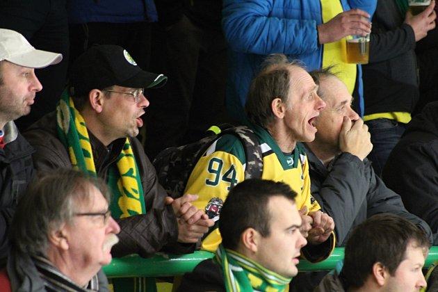 Ani ve třetím utkání play-off s celkem Kopřivnice hokejisté Vsetína nezaváhali. Fanoušci byli s výsledkem 8:2 spokojení.