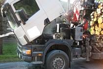 Požár motoru uhasil řidič sám