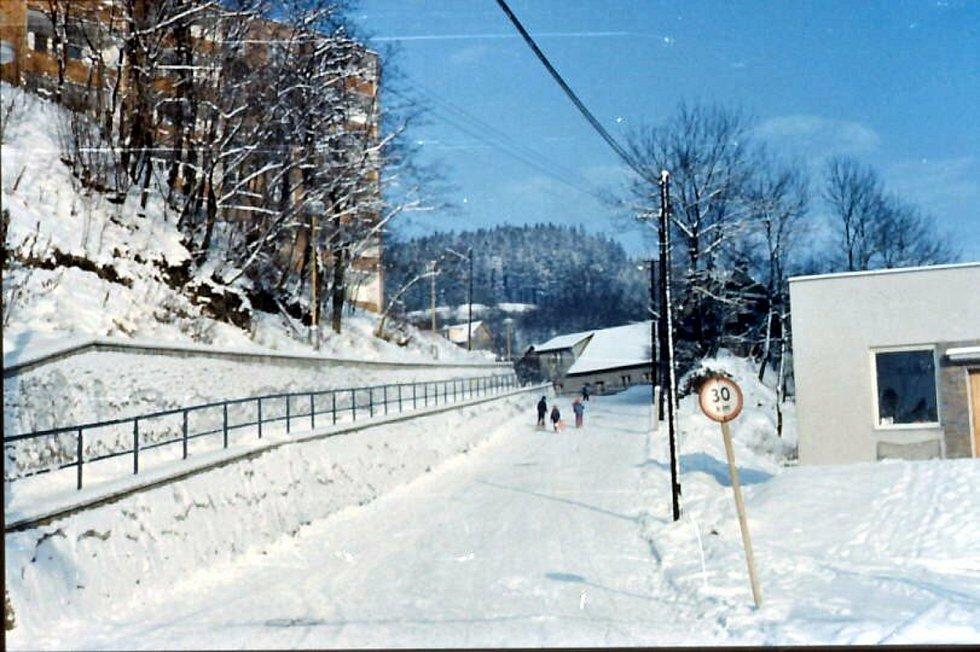 Vsetín, cesta na Hrbovou, 80. léta.