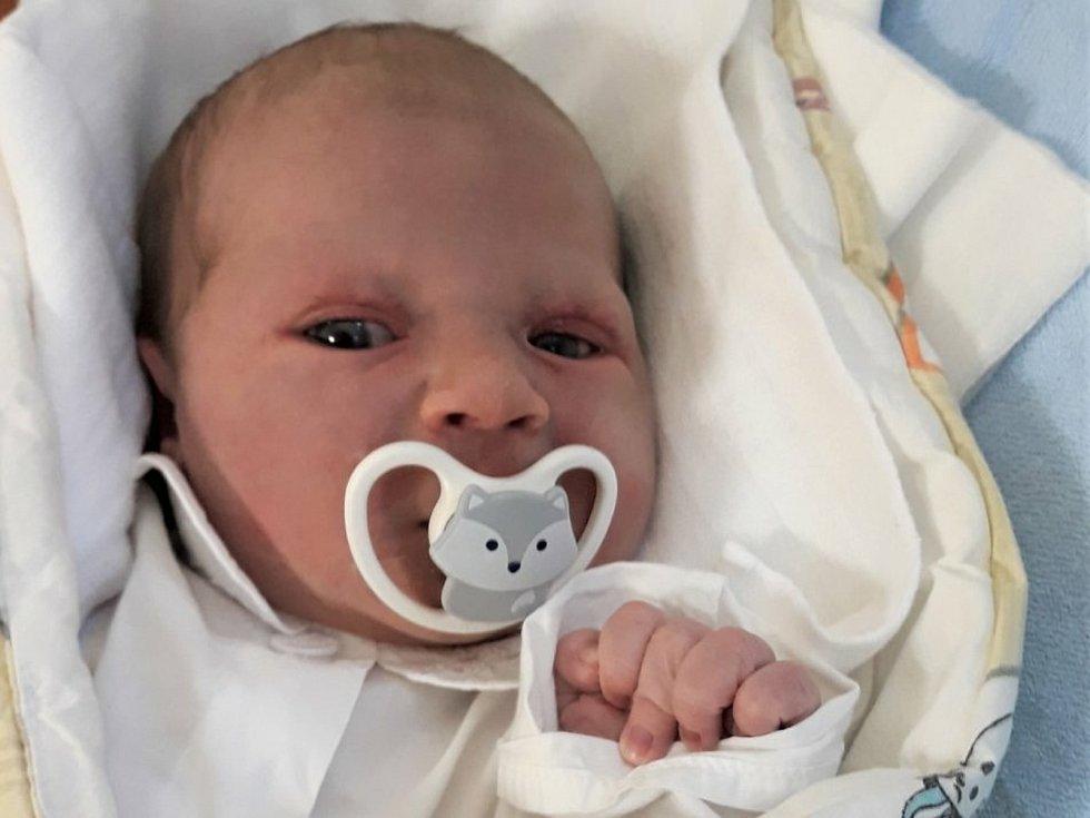 Robin Raab, Rožnov pod Radhoštěm, narozen 19. července 2021 ve Valašském Meziříčí, míra 51 cm, váha 3850 g