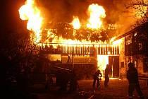Areál ve Valašských Kloboukách začal hořet 1. prosince nad ránem.