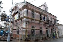 Rekonstrukce budovy pro muzejní knihovnu v Rožnově pod Radhoštěm.