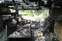 Rozsáhlý požár zničil stodolu, dům se podařilo uchránit