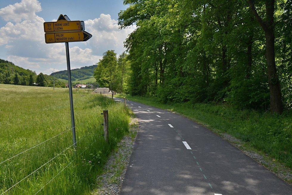 I. etapa cyklostezky Bevlava vede ze Vsetína přes Ústí, Leskovec, Valašskou Polanku do Lužné. Průjezd Valašskou Polankou, 10.6.2021.