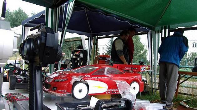 Ve Valašském Meziříčí se konal závod modelů aut.