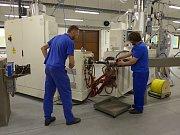 Vsetínská společnost Austin Detonator investovala více než 100 milionů korun do vybudování nové linky na výrobu detonačních trubiček.