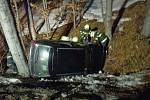 Těžká dopravní nehoda v kopcích u Sirákova.