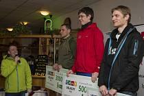Noční stopa Valachy, první ze série čtyř závodů Valachy Tour.