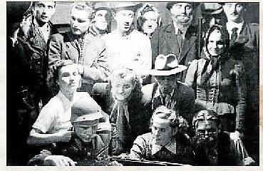 DIVADLO. Na snímku kateřiničtí ochotníci v roce 1949.