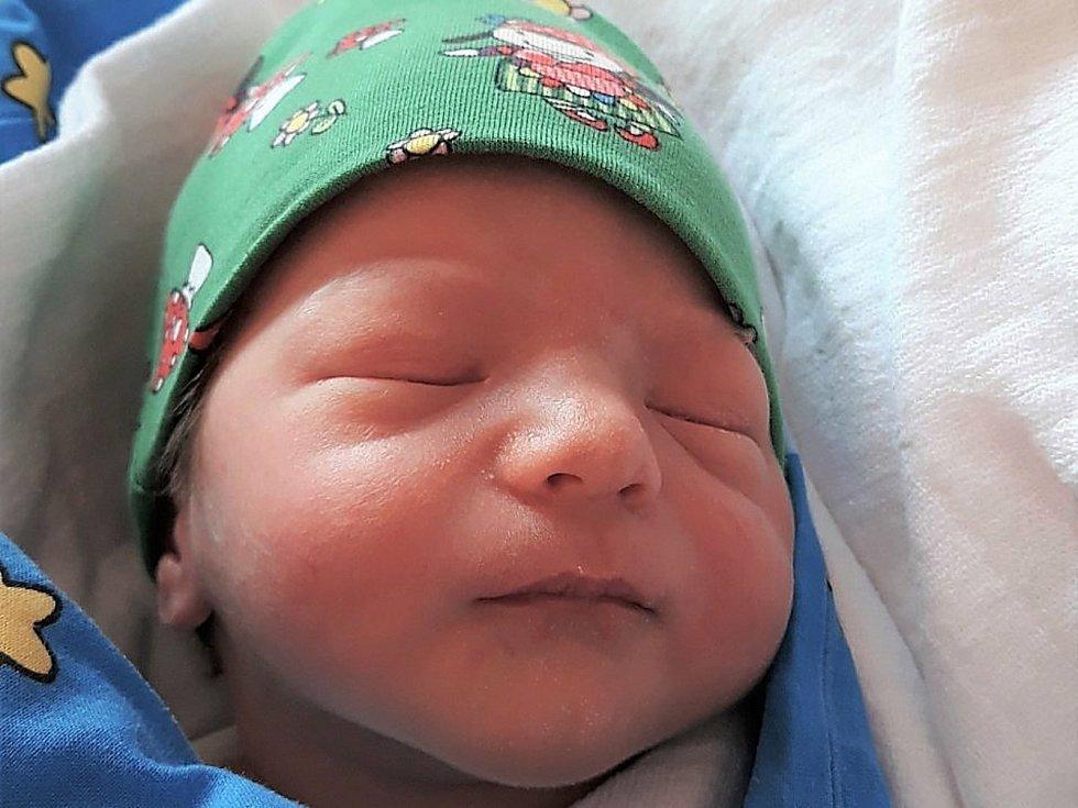 David Paprskář, Rožnov pod Radhoštěm, narozen 31. května 2021 ve Valašském Meziříčí, váha 2740 g
