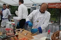 Sushi, hovězí líčka, okurkové želé a další originální speciality nabídli kuchaři na první meziříčské gastroshow.
