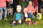 V pátek 29. září 2017 se v Rožnově pod Radhoštěm uskutečnila tradiční akce pro děti Podzimní putování s broučky. Symbolickou cestou Karafiátových Broučků se vydalo na patnáct set návštěvníků. Lampionovým průvodem putovali od hudebního altánu v městském pa