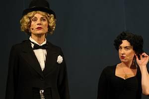 Hudební drama Frau Dietrich a Madame Piaf vsetínského Divadla v Lidovém domě