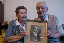 Manželé Třeťákovi oslavili kamennou svatbu, 65 let společného života.