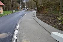 Nový chodník v Bynině u Valašského Meziříčí je dokončený.