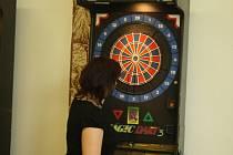 Šipkový turnaj jednotlivců o šipkového krále a královnu Vsetína. Soutěžili i neregistrovaní hráči.