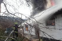 Ve Študlově na Vsetínsku hořel rozestavěný dům.