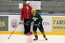 Hokejisté Vsetína zahájili v pondělí 24. července 2017 tréninky na ledě na stadionu Na Lapači.