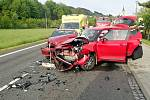 Na silnici v Huslenkách se v neděli 23. května 2021 ráno srazila dvě osobní auta. Zranili se čtyři lidé.